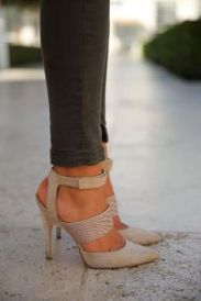 Fabulous Casual Style Heels Classical and Fashy